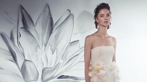 איפור מיקי בוגנים, ציורי קיר של פרחים אנה קוגן, דוגמנית קסיה סואן – צילום 2