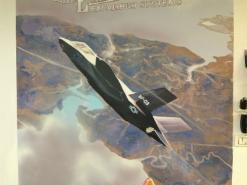 ציור קיר של F-35 בחברת אקסקליבור