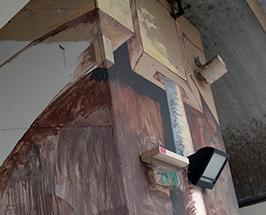 ציור גרפיטי של מכונה בדיונית בתערוכת טרדיס רחוב בתחנה המרכזית החדשה