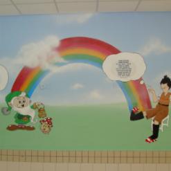 ציורי קיר של שדון, קשת, בחורה וקיסוס בצדדים