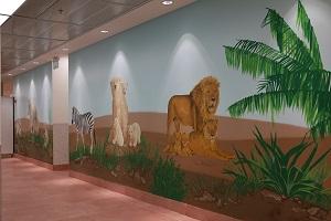ציור קיר של אריות, זברה ודובי קוטב