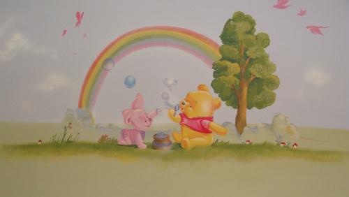 ציור קיר של תינוק פו הדב עם בועות סבון