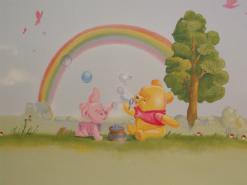 ציור קיר של בייבי פו הדוב עם חזרזיר ובועות סבון